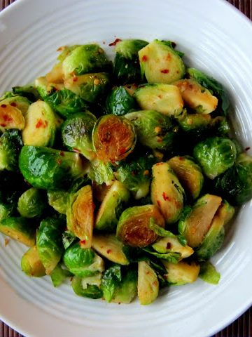 Spicy Garlicky Brussels Sprouts - Alica's Pepperpot