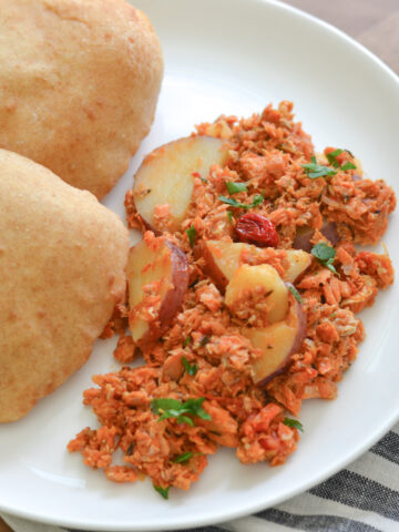 canned salmon with potatoes